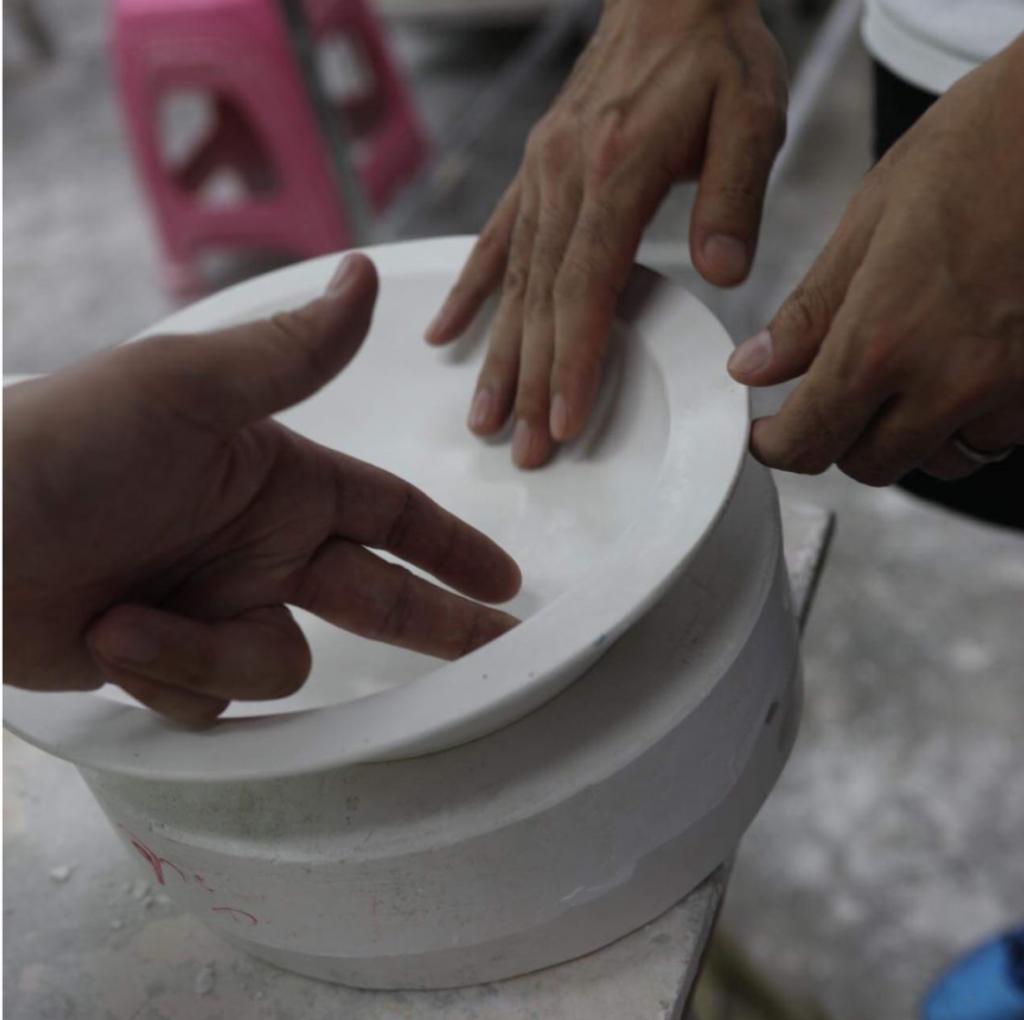 カレー皿タイ工場