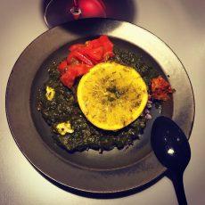 タケナカリーのなばなと、ほうれん草、パクチー、大葉のペーストにオレンジを入れたサグカリー