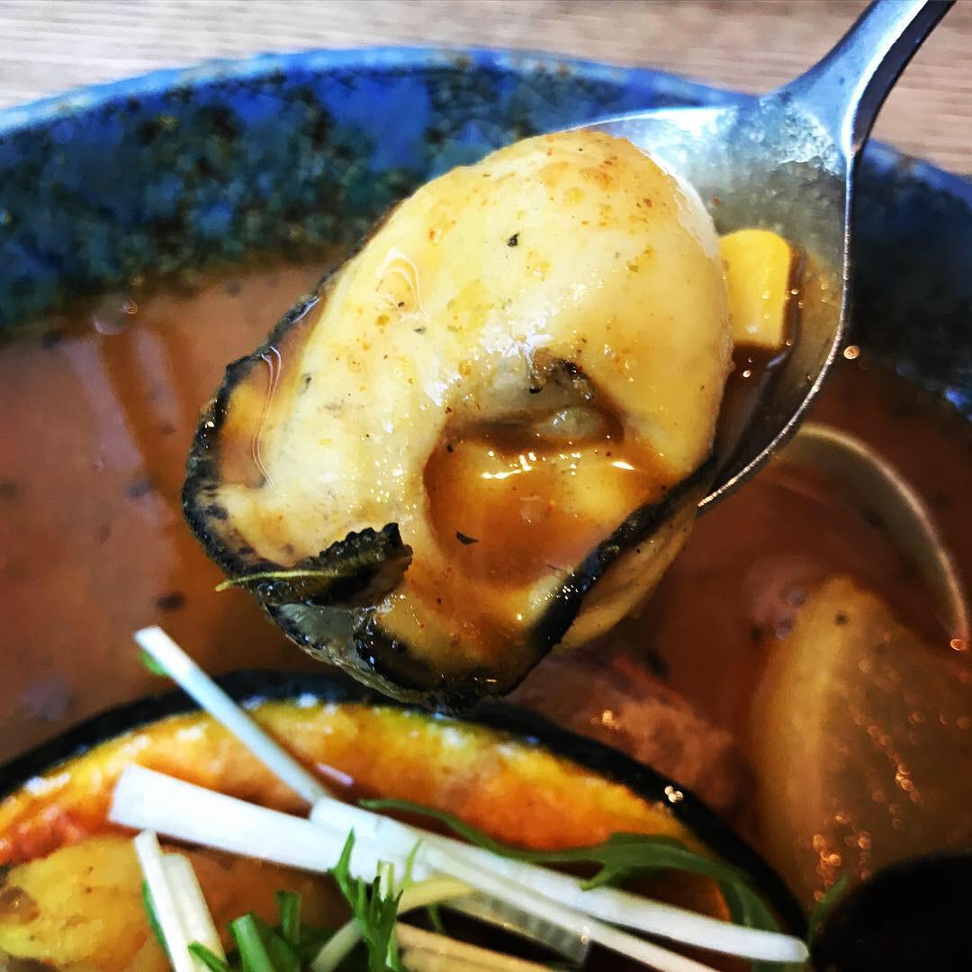 シーフードカレーの牡蠣